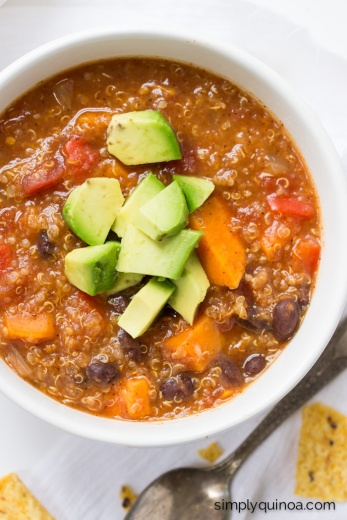 sweet-potato-black-bean-quinoa-chili-4-2