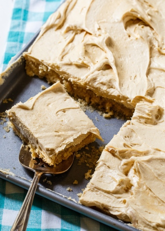 peanut-butter-sheet-cake-4