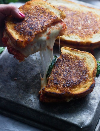 pizza-margherita-grilled-cheese-8_edited-1